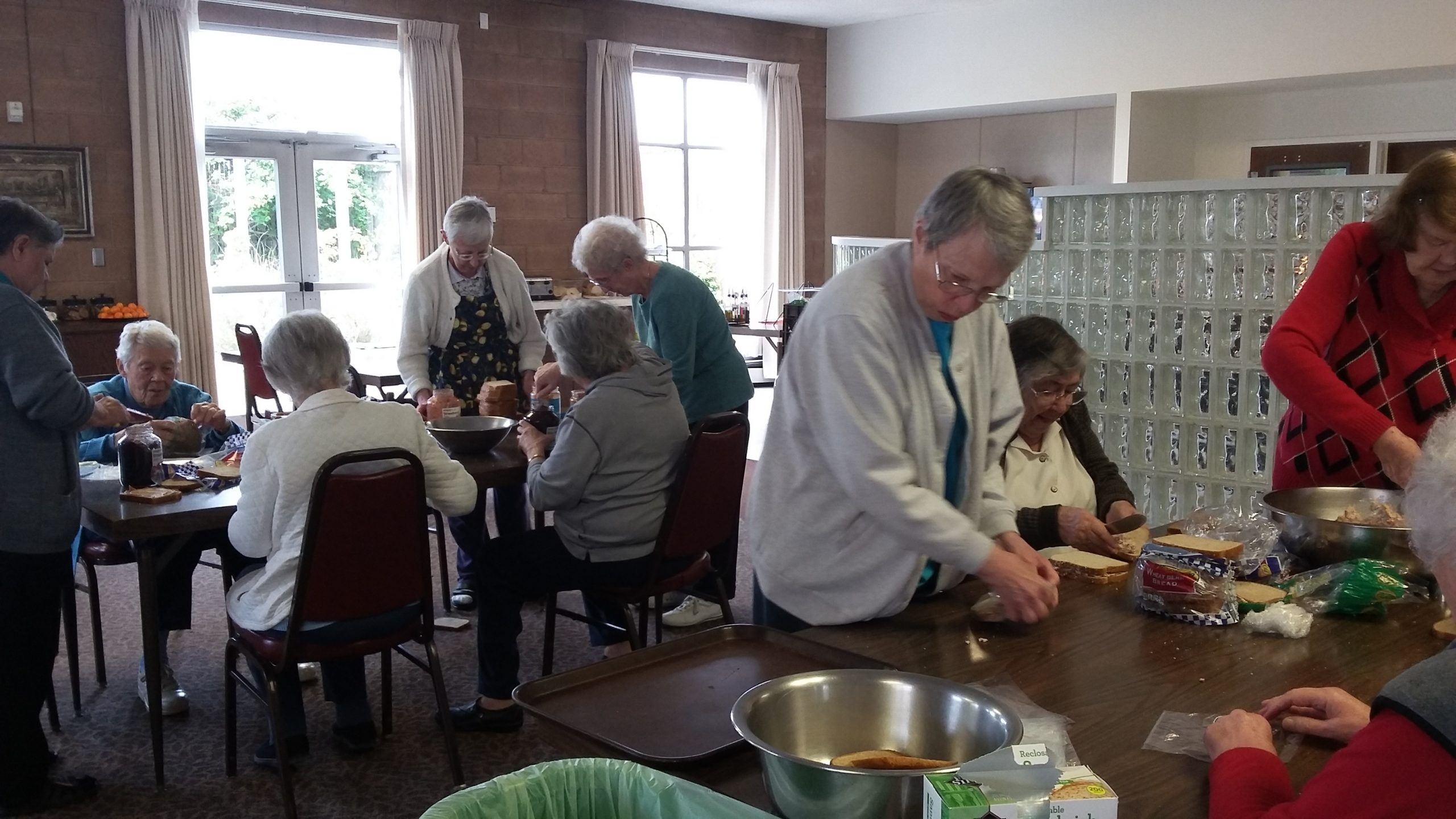 Presentation Motherhouse Sisters making sandwiches for the Day Laborers program.
